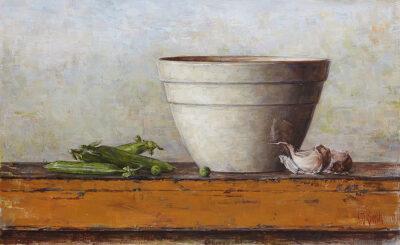 Peas, bowl and garlic